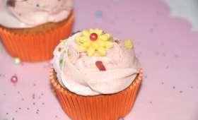 Cupcakes citron-pavot et crème à la mûre sauvage