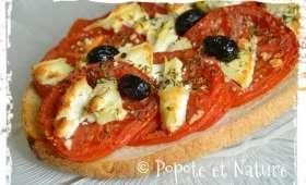 Bruschetta aux tomates et au fromage de chèvre