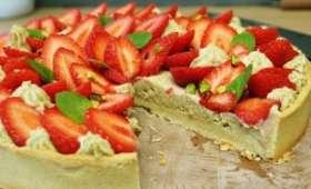 Tarte aux fraises, chiboust pistache et pâte sablée amande