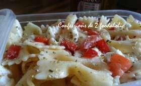 Salade de pates a la tomate,petits poivrons rouges et feta