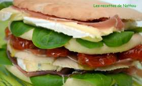 Pita burger au cambozola et tomates confites