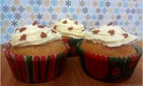 Cupcakes de Noël aux épices et au miel, glaçage à la Cannelle
