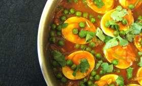Curry d'oeufs durs aux pois verts