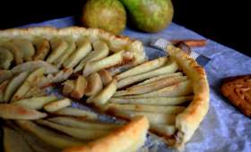 Tarte spéculoos-poires au miel épicé