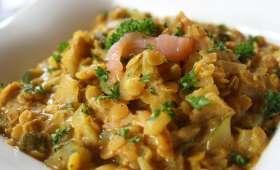 Curry de lentilles corail au saumon fumé & crème de coco