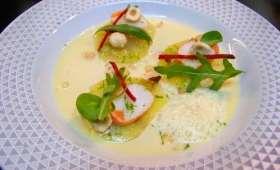 Ravioles de pommes de terre aux crevettes, lait de poule parfumé aux noisettes d'Eric Guérin