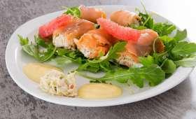 Rouleaux de saumon fumé au crabe