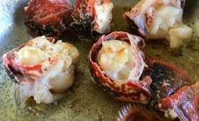 Médaillons de langouste sautés au beurre moussant