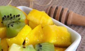 Salade de pêche jaune et kiwi au miel d'oranger