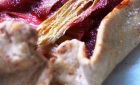 Tarte rustique à la rhubarbe et compote de cerise