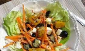 Salade de potimarron grillé, carotte, raisin noir et feta