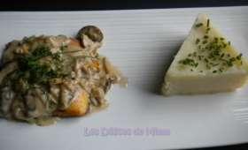 Filet d'omble chevalier, sauce aux champignons des bois et purée de topinambours