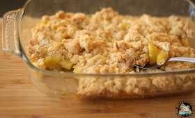 Crumble à l'ananas, à la noix de coco et noix de cajou