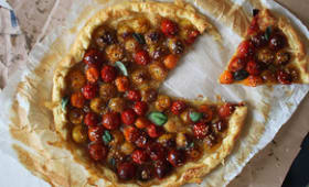 Tarte fine aux tomates cerises, balsamique et sésame