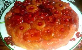 Tarte renversée aux prunes entières