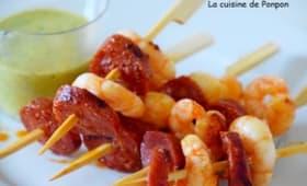 Brochette de scampis et chorizo à la sauce verte