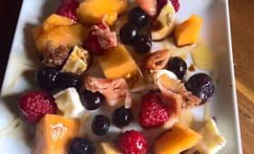 Salade de fruits, au jambon de parme et mozzarella