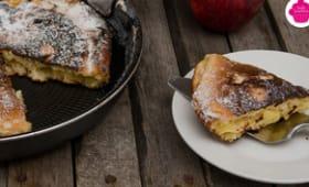 Gâteau aux pommes, pépites de chocolat et amandes cuit à la poêle