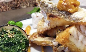 Bar frit petits légumes à l'Infusion de kombu tama-miso à la Bergamote