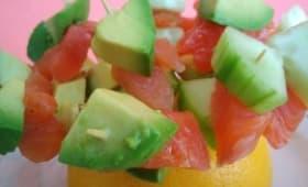 Brochettes apéritives saumon fumé - avocat - concombre