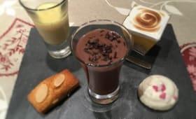 Dessert gourmand ou café gourmand composé de 5 mignardises