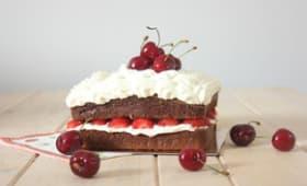 Mud cake au chocolat blanc et aux fruits rouges