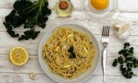 Spaghetti à l'ail, citron et persil