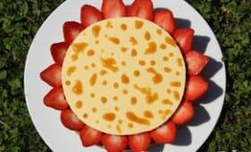 Comme une marguerite, crème brûlée en pétales de fraises