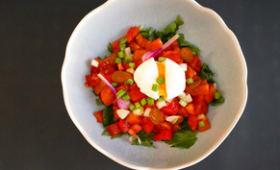 Salade de livèche. Oeuf mollet. Vinaigre de cerises griottes.