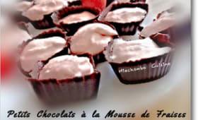 Petits chocolats à la mousse de fraises