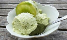 Glace avocat, citron vert et crème de coco sans sorbetière