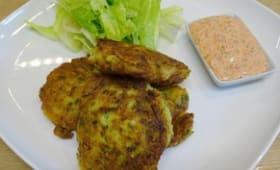 Croquettes de courgettes à la turque, sauce poivrons, coriandre, citron
