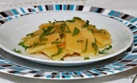 Parmigiano Reggiano confit au sucre et à la fraîcheur de verveine et mélisse