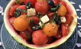 Salade de pastèque melon feta olive tomates cerise et basilic