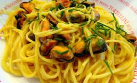 Spaghetti aux moules safranées