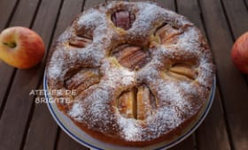 Sunken german apple cake