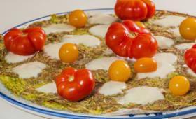 Pizza de courgettes aux tomates et à la mozzarella