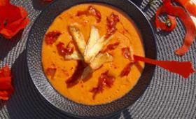 Gaspacho de tomates croûton à l'ail et chorizo grillé