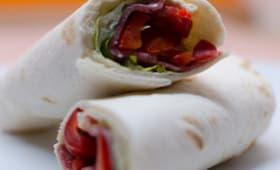 Wrap au salami et aux crudités