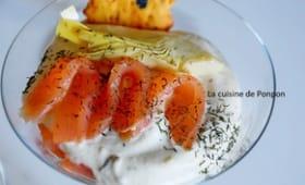 Verrine à la crème d'artichaut et thon en tapenade accompagnée de saumon fumé