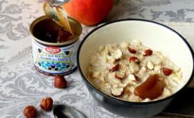 Porridge réconfortant à la crème de marrons, poires et noisettes