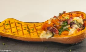 Courge butternut farcie au bacon, mozzarella et blette