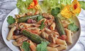 Pennes aux artichauts, petites courgettes et olives