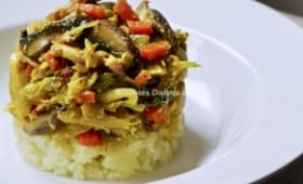 Chou, carottes et champignons sur lit de pommes de terre