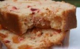 Cake aux Abricots Moelleux et Cerises Séchées