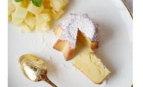 Gâteau au lait concentré sucré, brunoise d'ananas