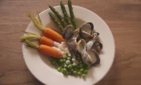 Palourdes aux légumes primeurs, sauce au parmesan