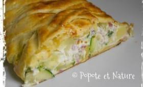 Tresse feuilletée aux courgettes, à la ricotta, lardons, fromage Philadelphia et pommes de terre