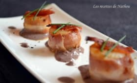 Saint-Jacques poêlées au lard, sauce à la moutarde Violette de Brive
