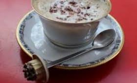 Mousse de lait sur un cappuccino